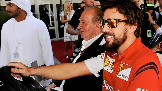 El Rey Juan Carlos se convierte en el jefe de prensa de Alonso por un día