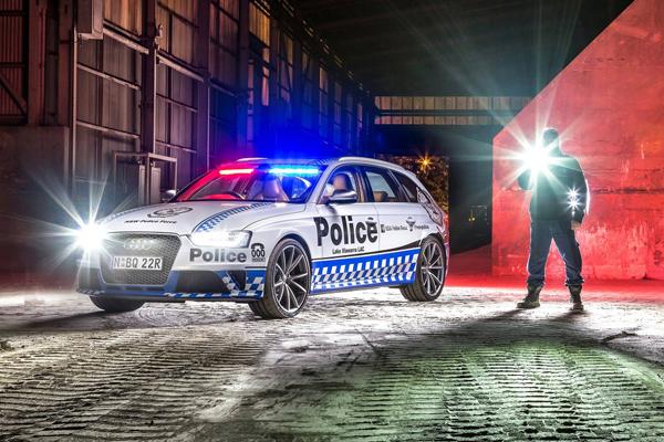 La policía australiana se agencia un Audi RS 4 para hablar con los jóvenes