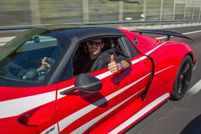 Mark Webber ya tiene su Porsche 918 de 800.000 euros