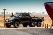 Donde caben 4 ruedas, caben 2 más: Toyota Hilux 6×6 by Overdrive