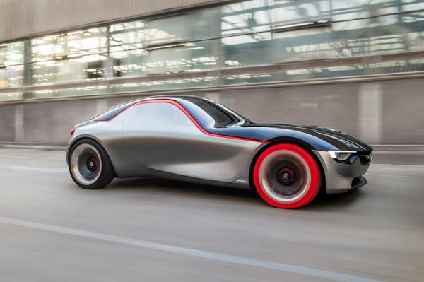 Opel revoluciona el sector biplaza con este Opel GT Concept